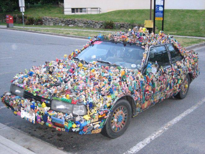 1321702-l-automobile-un-jouet-comme-un-autre
