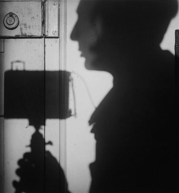 7c-kertesz_self_1927