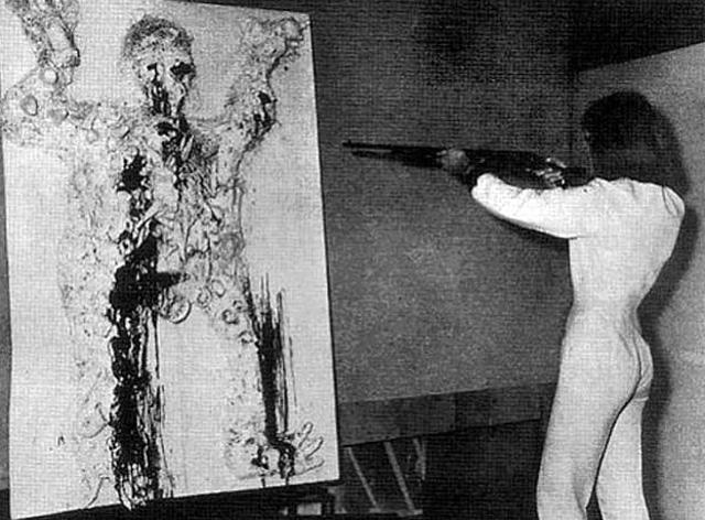 "Friedrich-Rauch-""Niki-de-Saint-Phalle-Tir-Gambrinus-at-galerie-Becker-Munich""-1963"